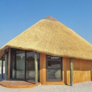 Ongula Homestead Lodge hut